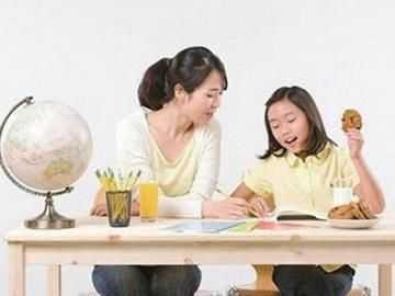 我给孩子请家教,女老师进屋抱老公大哭,知道原因我怒扇老公巴掌